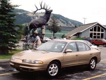 Amerikaanse auto? Een Oldsmobile uit de jaren 90