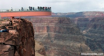 De West Rim Skywalk